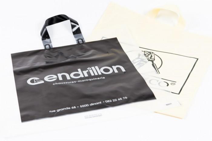 sac plastique réutilisable personnalisé conforme nouvelle réglementation avec poignées souples