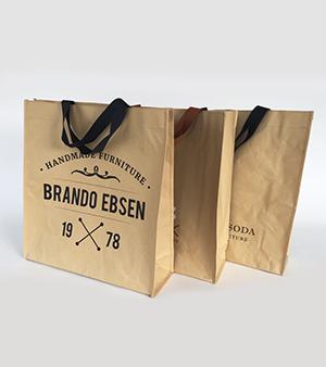 sac en papier kraft pas cher top sac kraft de luxe en papier avec poignes en coton with sac en. Black Bedroom Furniture Sets. Home Design Ideas